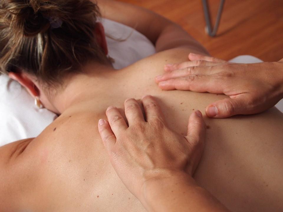 Kundalini: cos'è il massaggio ai genitali